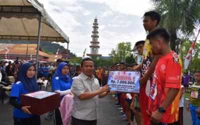 SMA N 1 Tukka Juara 1 Lomba Lari Marathon 5 KM